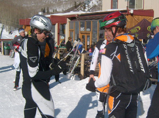 Travis Scheefer and Ben Parsons discussing the race at the finish.