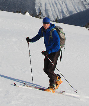 Skinning up for one of many great runs in December 2010 at Rogers Pass. (Image cropped from Reiner Thoni's photo.)