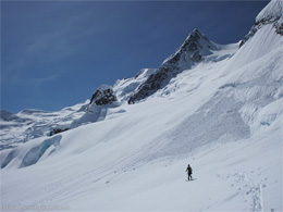 Crossing the Rumbling Glacier – Christian Veenstra photo.