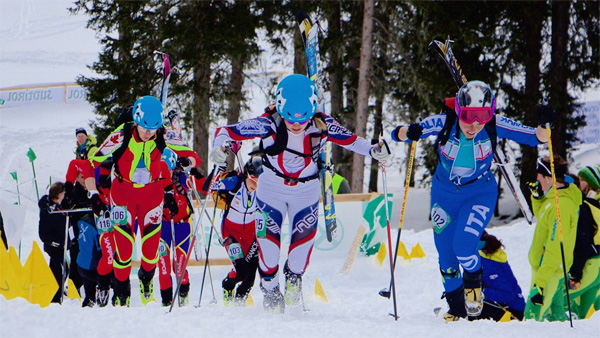 Melanie Bernier (on the left) during her semi-final heat.