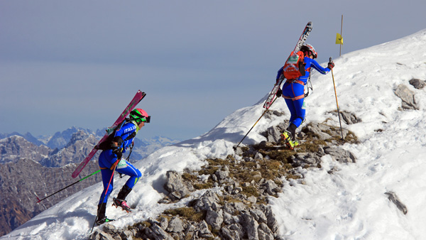 Italian team on the way to the summit of Cavallo. ISMF photo.