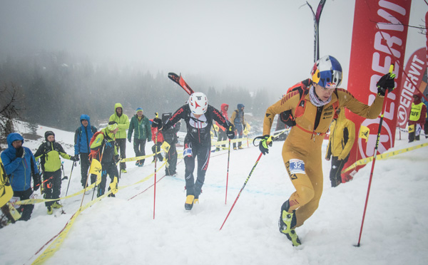 Anton Palzer leading Iwan Arnold into the boot-pack in the finals. ISMF photo.